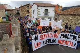 La Comarca de El Barco-Piedrahita pide una solución para mejorar su conexión en autobús con Ávila y Madrid